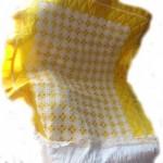 sarı kumaşlı dantel seccade örneği