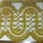 sarı simli iple yapılmış firkete havlu kenarı