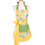 sarı yeşil çiçek desenli mutfak önlük modeli