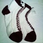 siyah beyaz uzun örgü çorap modeli
