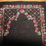siyah etamin işi gül desenli seccade