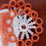 turuncu çiçekli halkalı oya modeli