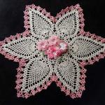 yıldız desenli pembe çiçekli çeyizlik dantel modeli