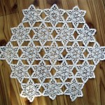 yıldız motifli dantel sehpa örtüsü modelş