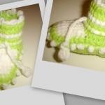yeşil beyaz tak şiş örgülü patik modeli
