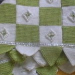yeşil beyaz tek şiş örgülü battaniye örneği