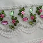 yeşil pembe pullu havlu kenarı modeli