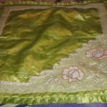 yeşil saten kumaşlı dantel seccade örneği