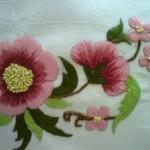 çiçek desenli çin iğnesi nakışı modeli