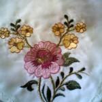 çin iğnesi çiçek işlemeli bohça modeli