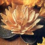 çok güzel örgü nilüfer çiçeği modeli