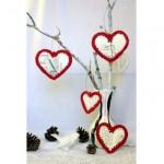 örgü kalp desenli ağaçlı duvar süsü modelş