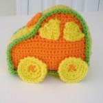 örgü oyuncak küçük araba modeli