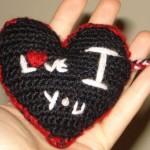 ı love you yazılı örgü kalpli anahtarlık modeli