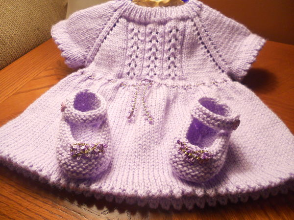 Şirin bebek elbisesi ve patiği