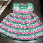 akıllı ipten örgü bebek elbisesi modeli