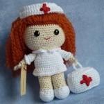 amigurumi sevimli oyuncak hemşire modeli