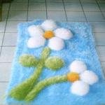 beyaz çiçekli sakallı ipten paspas modeli