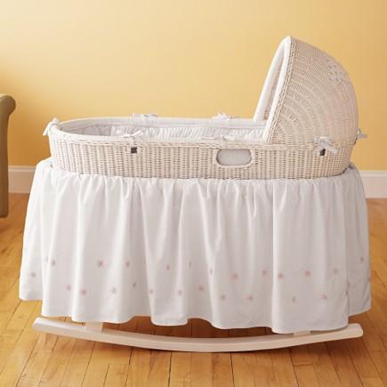 beyaz bebek beşik sepeti modeli