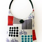 beyaz bisiklet desenli düğmeli kumaş çanta modeli