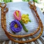 beyaz renkli çiçekli makrıma çanta modelleri