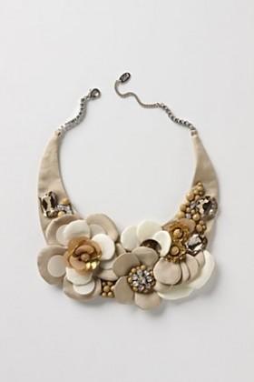 boncuklu çiçek desenli kumaş kolye modeli