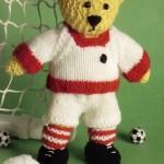 futbolcu figürlü örgü ayıcık modeli