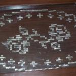 gül desenli tel kırma tepsi örtüsü modeli