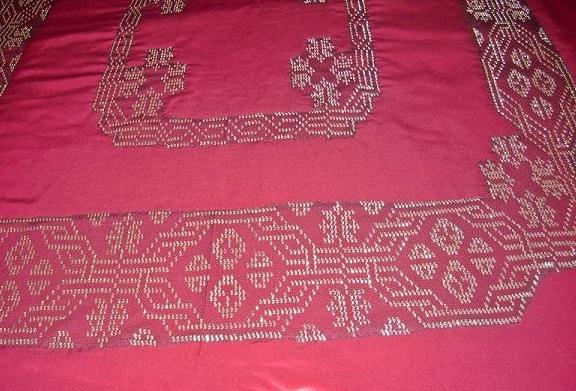 gümüş tel kırma yatak örtüsü modeli