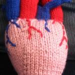 gerçek kalp şeklinde örgü anahtarlık modeli
