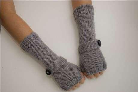 gri düğmeli örgü uzun eldiven modeli