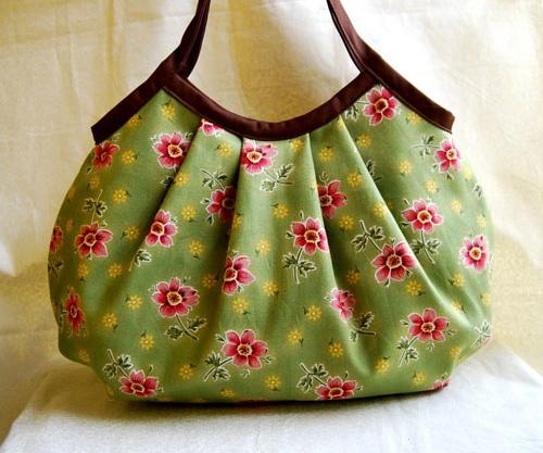 ... Kumaş Çanta Modelleri /küçük çiçek desenli kumaş çanta modeli