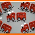 küçük arabalar desenli örgü aplike örnekleri