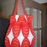 kırmızı çiçekli kumaş çanta modeli