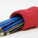 kırmızı örgü kalem cüzdanı modeli