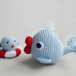 kırmızı ağızlı amigurumi anne ve yavru balık modeli