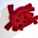 kırmızı farklı kalp desenli örgü anahtarlık modeli