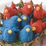 kırmızı mavi örgü yavru kuş modelleri