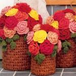 kırmızı sarı örgü saksı ve çiçek modeli