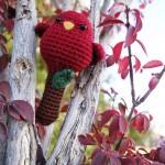 kırmızı sevimli örgü kuş modeli