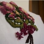 kırmızı yeşil punch nakışlı çiçek modeli