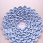 kat kat mavi örgü çiçek modeli