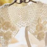 krem rengi çiçek motifli dantel yaka modeli