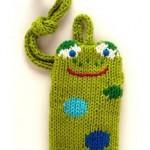 kurbağa desenli yeşil örgü telefon kılıfı