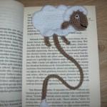 kuzu desenli örgü kitap ayracı modeli