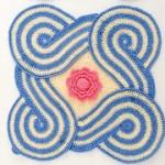 mavi beyaz geometrik desenli örgü altlık modeli