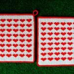 minik kırmızı kalp desenli örgü tutacak modelleri