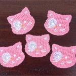 minik kedili pembe örgü aplike modelleri