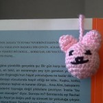minik pembe fareli örgü ayraç modeli