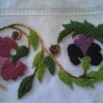 mor pembe çiçek desenli punch nakışı modeli